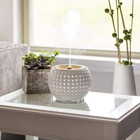 Ellia Gather Ultrasonic Diffuser in white ceramic